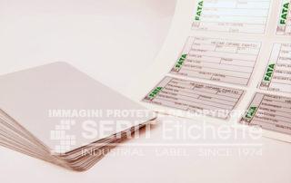 Etichette prefustellate in fogli A4: etichette inventario, etichette identificazione, etichettatura cespiti, etichette controllo qualità.