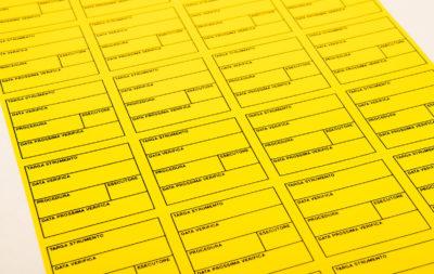 Stampabili direttamente dal cliente, le etichette in fogli A4 per stampa laser sono personalizzabili, disponibili per numerazione progressiva e bar-code.