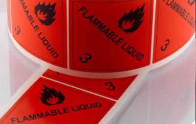 Etichette per segnaletica e sicurezza Serit Etichette: adesivi per cassonetti, etichette in policarbonato, segnaletica luminescente. Un prodotto dalle mille applicazioni.