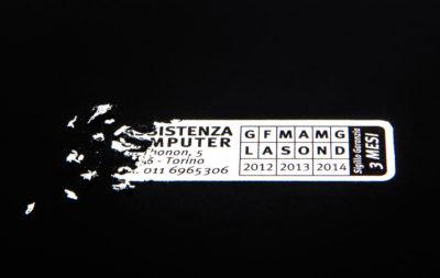 Label ultradistruttibili: sigillo di garanzia, anti-contraffazione, etichette revisione e scadenza.