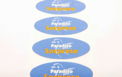 Le etichette chiudipacco prodotte da Serit Etichette sono completamente personalizzabili ed indispensabili per la vendita al dettaglio.